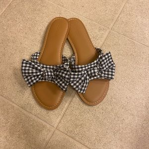 Gingham bow sandals!